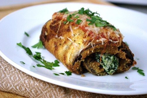 eggplant: Cooking Delicious, Tomatoes Sauces, Eggplants Rolls, Eggplants Recipes, Spinach Rolls, Cooking Veggies, Eggplants Rollatini, Eggplants Spinach, Favorite Recipes