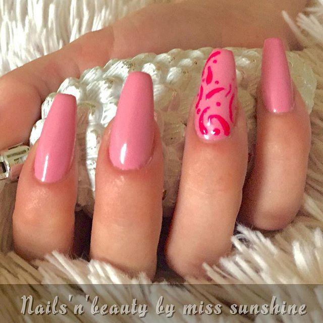 #nail #smukkenegle #nailswag #nailsalon #nailsbyme #nailporn #beautifulnails #nailporn #nailart #nails2inspire #nailstyle #nailsofinstagram #nails2inspire #nailsoftheday #negle #negler #negleart #neglelir #neglehygge #negleteknikerlivet #negletekniker #negletilbud #negletid #acrylicnails #akrylnegle #acryllicnails #akrylnegleopbyggetpåskabelon #akrylnegler #acrylicnails