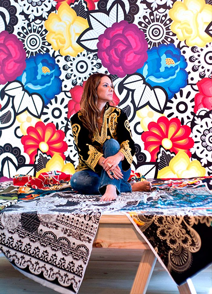 Adriana Barra is know for her lively, custom made patterns, very Brazilian. Her dresses are sure to make an impression back home! Her shop is at the heart of Jardins district, on Alameda Franca, 1243.