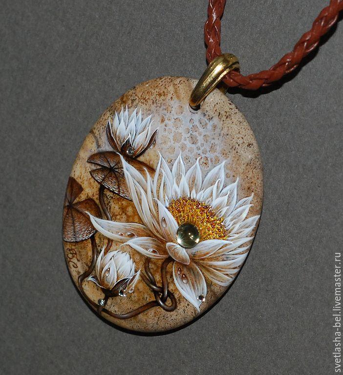 Купить Лотос - лаковая миниатюра, лаконичное украшение, роспись по камню, живопись маслом
