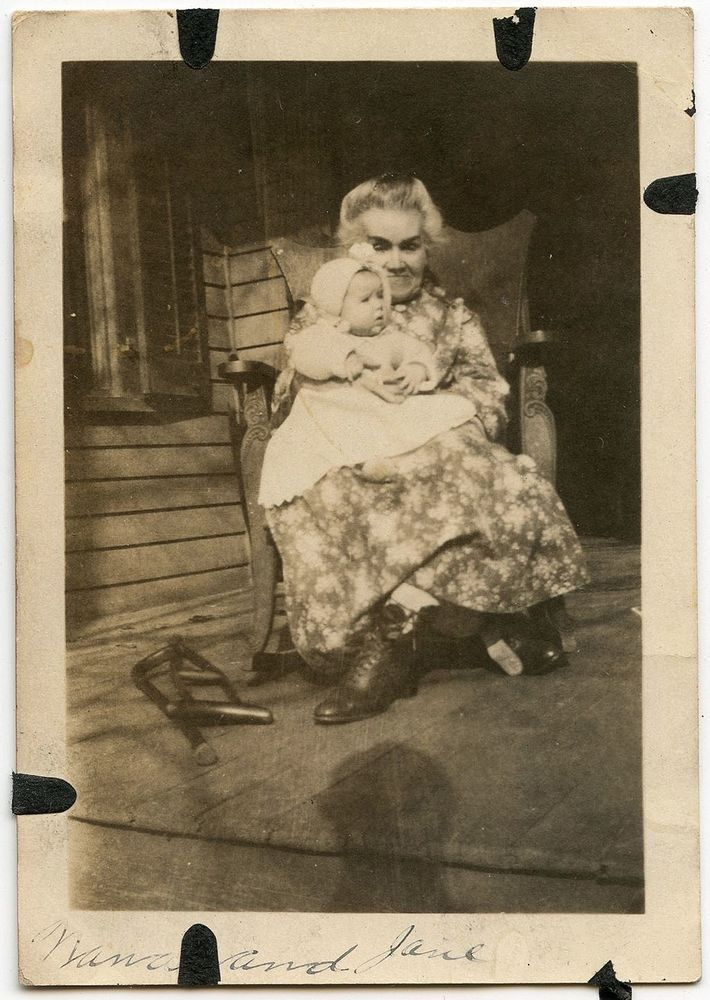 CREEPY LITTLE GRANDMA HOLDING BABY EYEBROWS CRUTCHES VINTAGE SNAPSHOT PHOTO