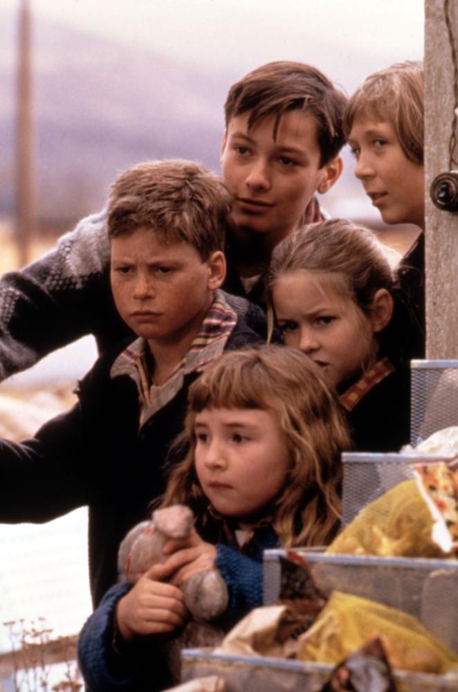 A HOME OF OUR OWN, (clockwise from top): Edward Furlong, Clarissa Lassig, Sara Schaub, Amy Sakasitz, Miles Fuelner, 1993, (c)Gramercy Pictures