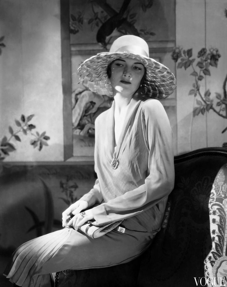 Photographed by Edward Steichen, 1928 hAT