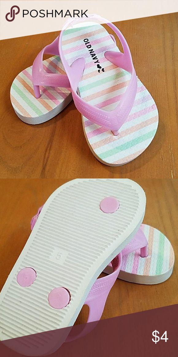 Old navy flip flops..size 5 never worn old navy flip flops ..great for summer !!!?? Old Navy Shoes Sandals & Flip Flops
