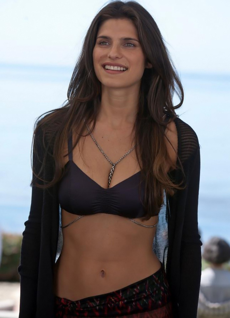 Lake Bell { Gorgeous. Amazing body + Smile! }