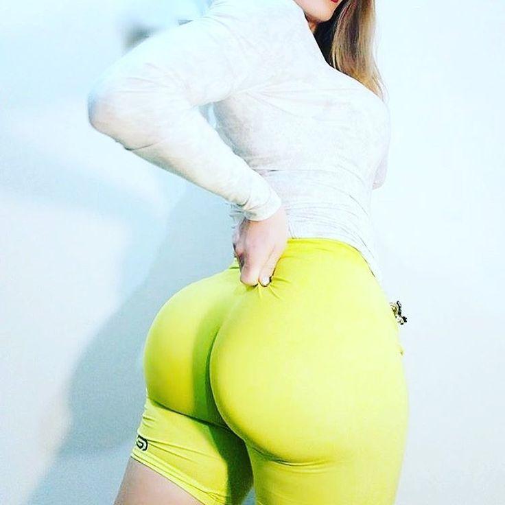 Booty Goal 😶🏆💜 #fitnesslifestyle #trainingday #instabeautiful #muitolinda #gata #swaggie #instaswagg #musclenation #cardio #gym #fitnessmodel #fitnesswoman #fitnesslover #healthybody #yourebeautiful #beleza #lamasbella #bonita #swaggirl #smiles#dailylife #focusonme #usa