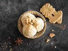Cremiges Weihnachtseis mit Spekulatius / Creamy Christmas Ice Cream with Speculoos