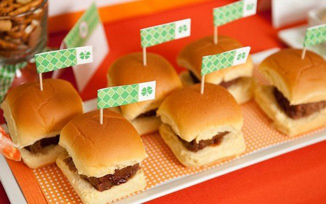 Mini hambúrgueres: perfeitos para as crianças. Foto: Pinterest/Snappening