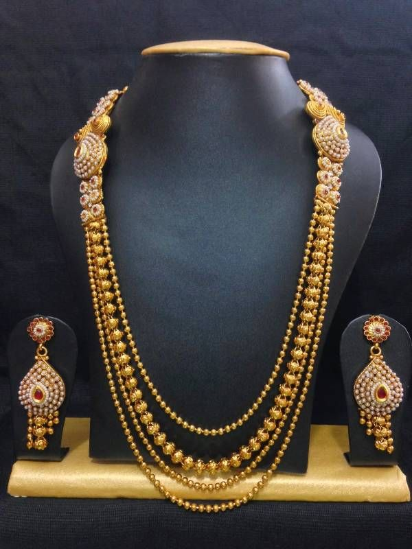 Traditional haram jewelry set in high gold polish with red stones.....would love this for my wedding! #jewellery #Weddingplz #Wedding #Bride #Groom #love #Fashion #IndianWedding  #Beautiful #Style