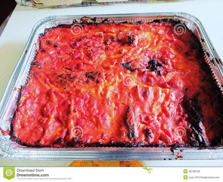 Very good italian food named lasagne