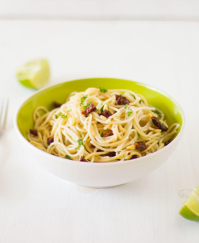 Lemon Garlic Spaghetti with sundried tomatoes and parsley