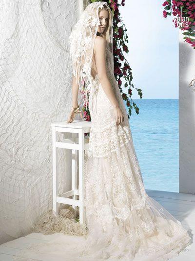 Vestidos de novia en barcelona, Modelo Yolan Cris Togo, Disponible en nuestra Boutique de Rambla Catalunya