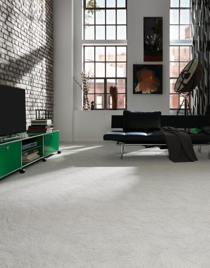 Роскошный белый ковер добавит свет и пространство вашей комнате. А благодаря современным технологиям за ним очень легко ухаживать. Дизайнерский ковер, современный ковер, дизайн ковра JAB Carpet, VAN VUGHT Interiors ваш дизайнер интерьеров в Берлине