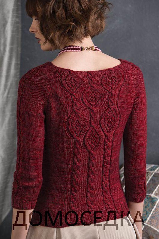 Вязаный по кругу пуловер от Дженифер Вуд выполнен спицами сверху вниз красивым узором.