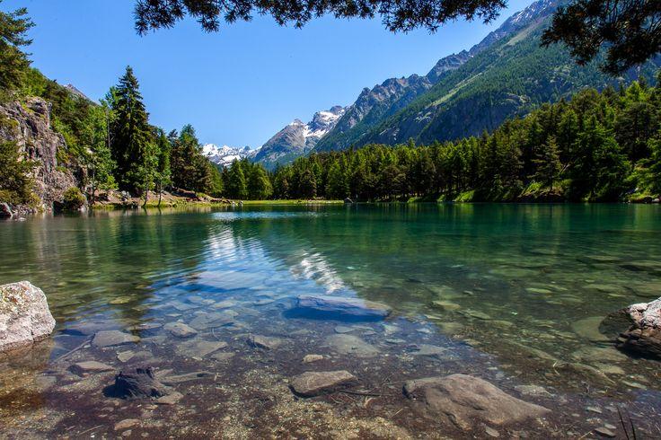 Lago Lexert - Valle d'Aosta, lago Lexert (Bionaz). Stupendo lago alpino dall'acqua cristallina circondato dalle Alpi e dal gran Combin. Valle d'Aosta ( Bionaz - Italy), Lexert lake.Amazing alpine lake, clear water and surrounded by Alps and grand Combin mountain.
