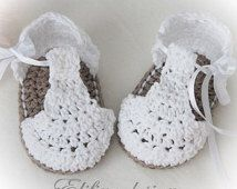 Babysandaaltje [