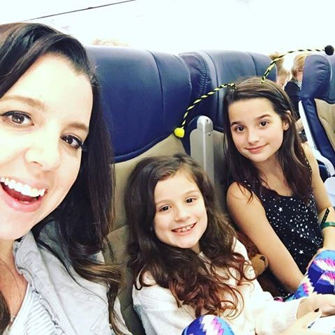 Bratayley on the plane