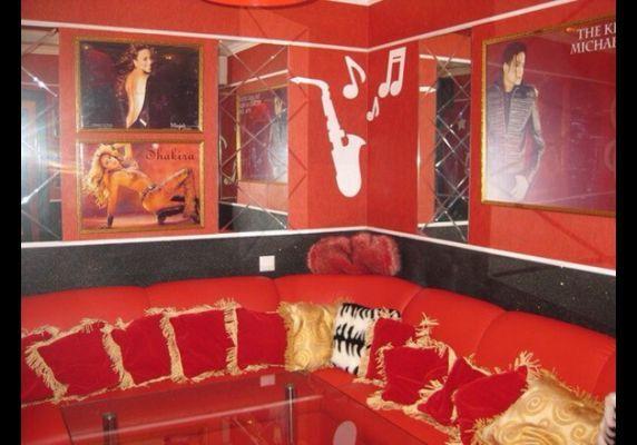 """Караоке Бар """"Майтант"""" (Karaoke Bar """"Maitant"""")  http://almaty.restorania.com/company/karaoke-bar-maytant-karaoke-bar-maitant-47639/ Адрес: проспект Абая 65А Время работы: С 12.00 часов до 06.00 часов Кухня: Смешанная , Европейская , Итальянская Средний чек: 2500-5000  Бронь по телефону: +7 (727) 352-88-72 #almaty #almatyrestorania #алматы #рестораныалматы #maitant"""