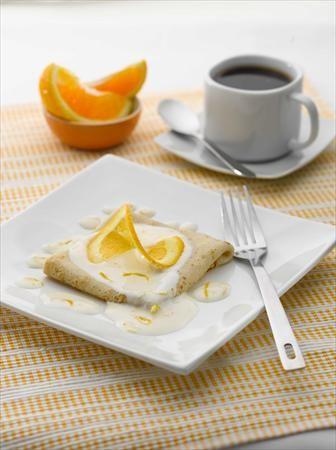 Olvídate unos minutitos de la rutina preparando esta dulce receta de Creps con un toque cítrico.