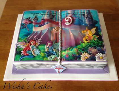 I was sick for six weeks ,and now i'm here with a new cake: WINX OPEN STORY, Girls are complitely in painted fondant,i hope you like it.