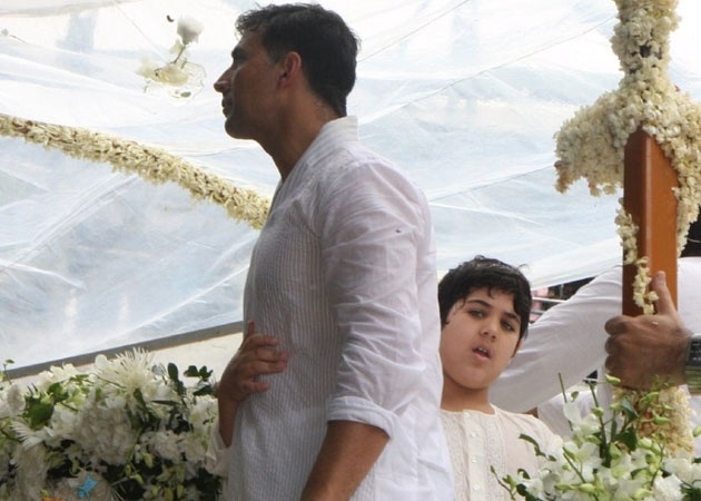 Akshay Kumar inspired by son Aarav http://www.buzzintown.com/bollywood-news--akshay-kumar-inspired-son-aarav/id--7972.html