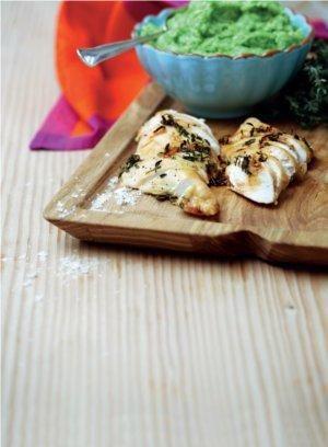 Appelsinmarineret kyllingebryst med kartoffel-ærte-puré | Magasinet Mad!