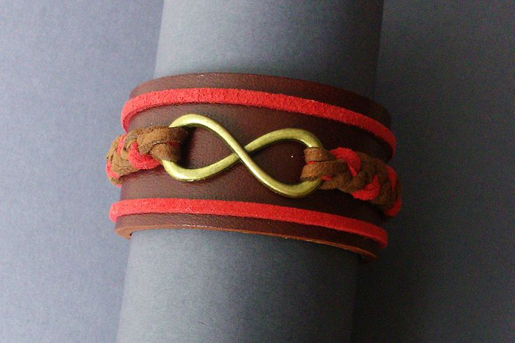 """Bracelet manchette cuir """"Infinie"""" : Bracelet par maddy-crea"""