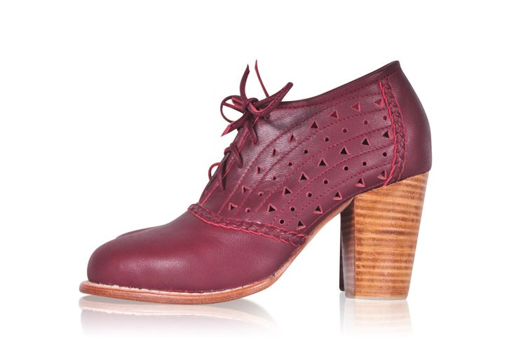 BREEZE. Oxford shoes women / oxford heels / leather oxfords / womens oxfords / leather oxford shoes. Available in different leather colors. by BaliELF on Etsy https://www.etsy.com/listing/183323229/breeze-oxford-shoes-women-oxford-heels