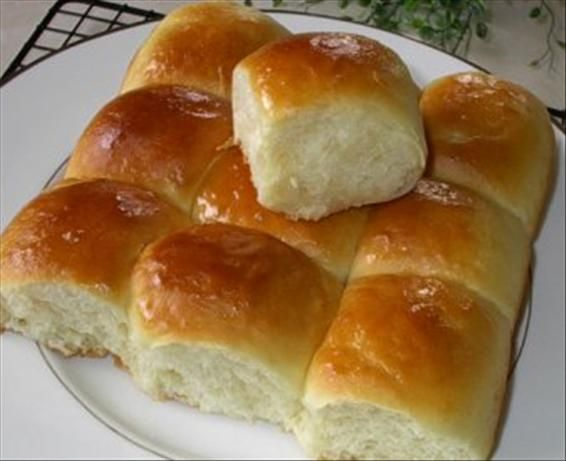 Hawaiian Sweet Bread for the Bread Machine. Photo by Susie Chen