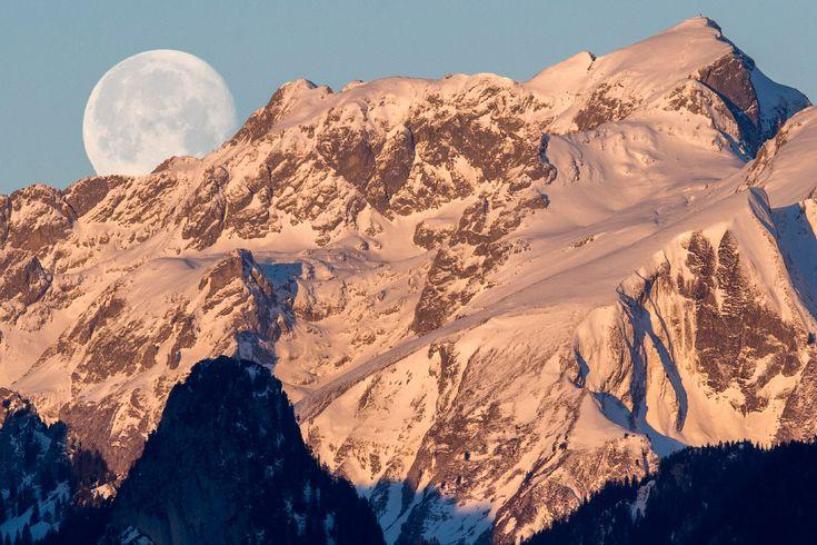 Луна, Альпы, Швейцария, 2015