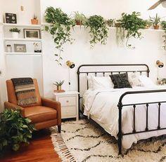 """Schöner Schlafbereich fürs WG-Zimmer im """"Jungle style"""". #WG #Zimmer #Einrichtu"""