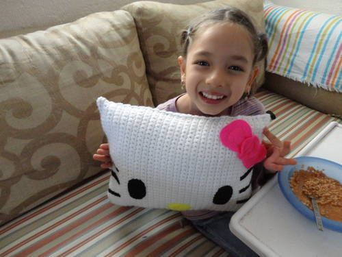 Super Extra Cute Hello Kitty Mini Pillow with Instructions - CROCHET.  Gift idea for my little Miss.