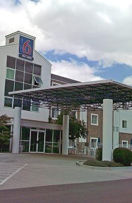 Motel 6 Denver East - Aurora hotels