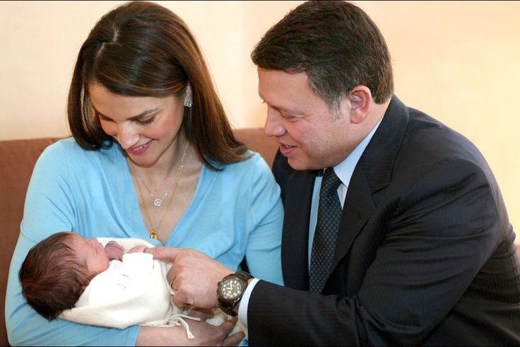 Rania avec le roi Abdallah et le prince Hashem en 2005