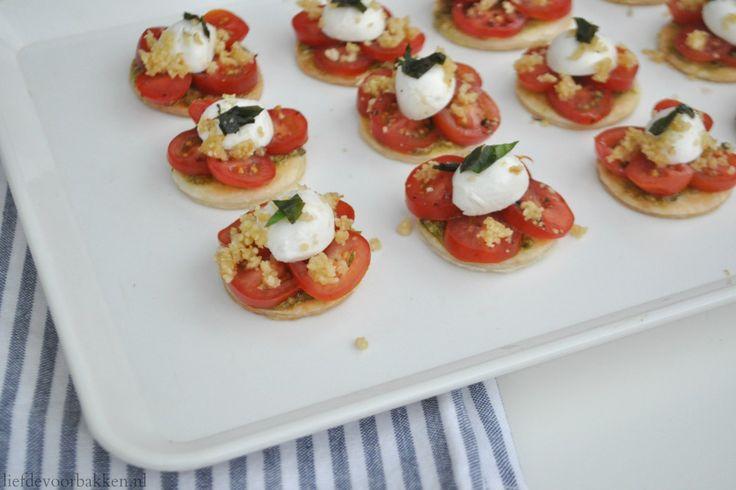 Mozzarella-tomaat hapjes, hightea