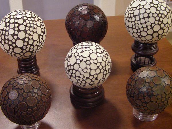 Esferas de telgopor decoradas con cartón