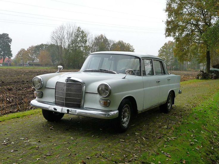 Mercedes 200 Benziner W110 Reihe, 1967, Heckflosse, guter Zustand, fahrbereit