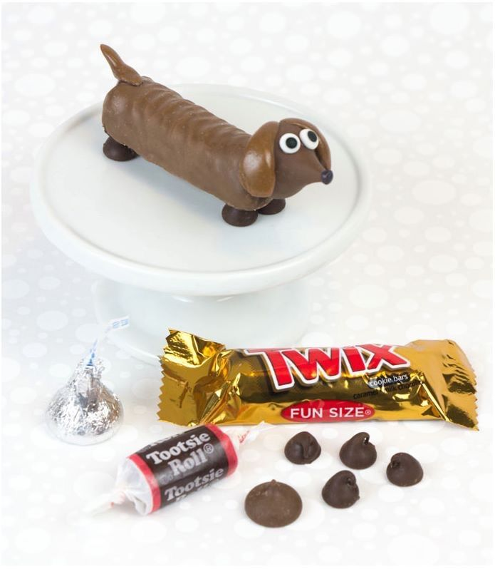 Make your own Daschund out of a Twix, chocolate chips, and a Tootsie Roll. Found on facebook.