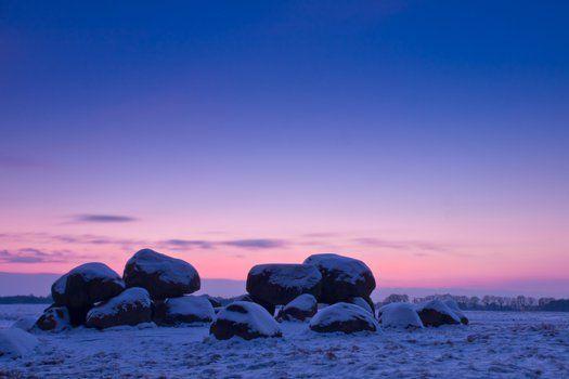 #Landschap in #Drenthe #kei #steen #rots #zonsondergang #sneeuw #winter #travelbird #hotel