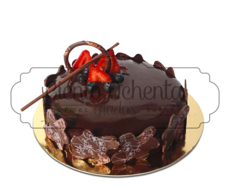 Torta  de chocolate con mousse de Naranja
