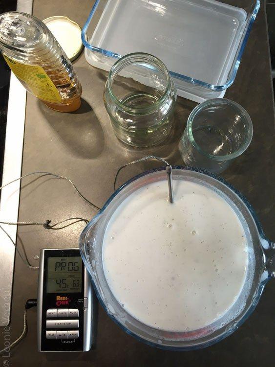 kokosmelk gereed voor fermentatie