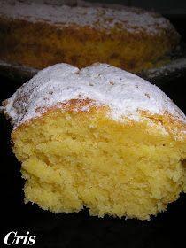Ingredientes: 250gr. de harina para repostería 250gr. de azúcar 100gr. de mantequilla 1 yogur natural 3 huevos 1 naranja de zumo entera si...