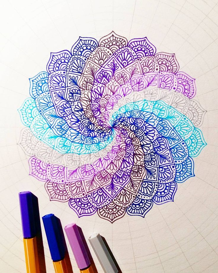 Another progress shot #wip I'm using Stabilo point 88 for this mandala! These are great to get fine detail and they come in many beautiful colours!