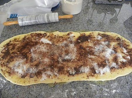 half-batch size of pioneer woman's cinnamon rolls