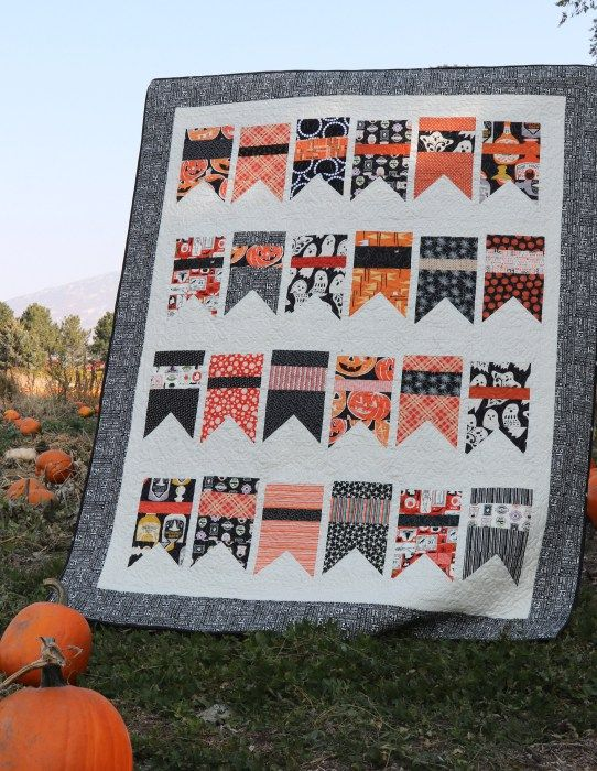 Halloween Bunting Quilt made with Amy Smart's Summer Bunting Quilt pattern