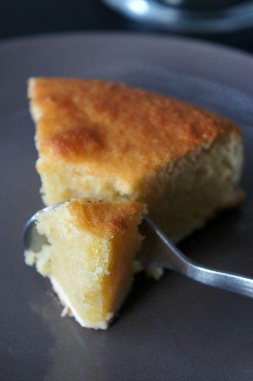 On connaissait le Namandier tout seul …. voici la tarte AU Namandier ! Tadaaaaaa …. Ben oui, j'ai voulu tenter cette expérience hors du commun dans un élan de génie (…), et bien m'en a prit, car c'était absolument délicieux. Le croquant de cette pâte sablée qui laisse place à une garniture fondante à l'amande … un pur délice ! A déguster en part raisonnable, tout de même … (Hein ? Que ? Quoi ? Comment ?) Ingrédients (pour un moule de 20 cm) : la pâte sablée : – 250 g de farine, – 125 g de…