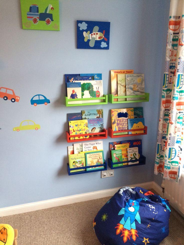 Lovely bookshelves, Ikea hack!