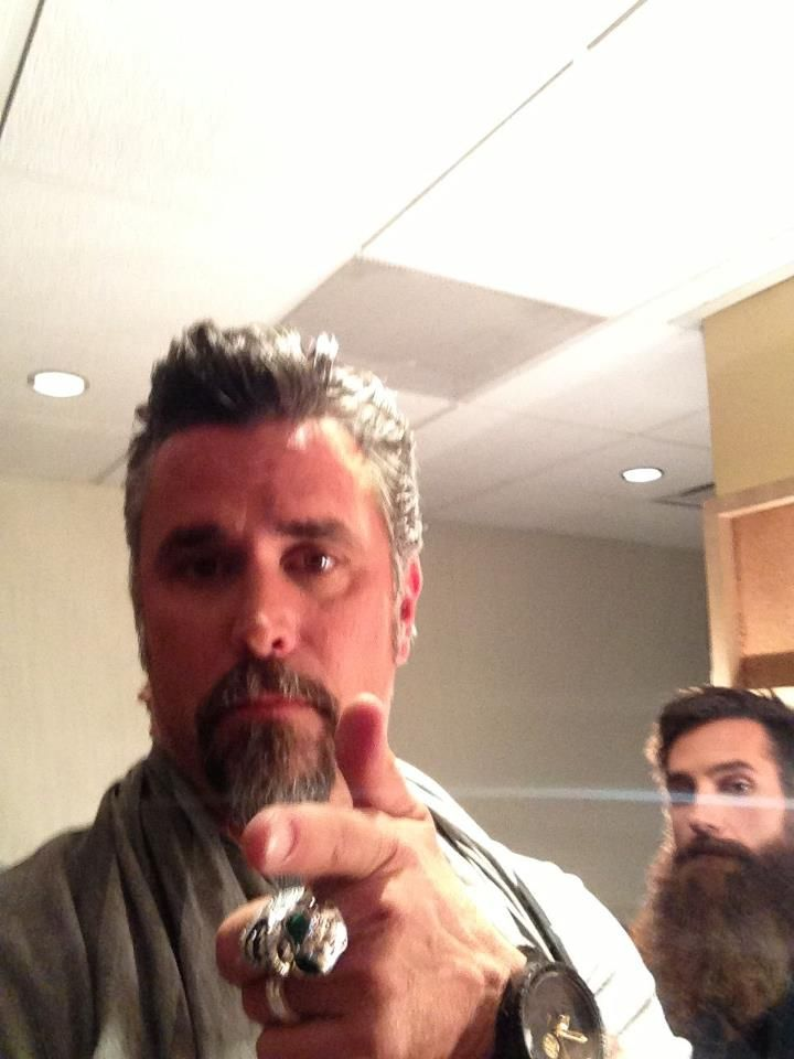 74 best gas monkey images on pinterest richard rawlings aaron kaufman and fast and loud. Black Bedroom Furniture Sets. Home Design Ideas