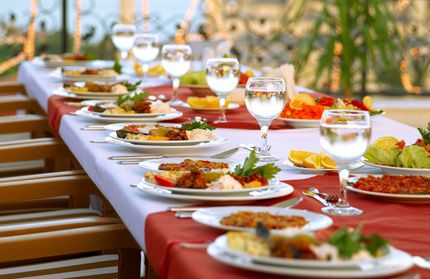 Bridal Shower Menu Ideas -  Quiche, rosemary potatoes and fresh fruit sounds yummy...