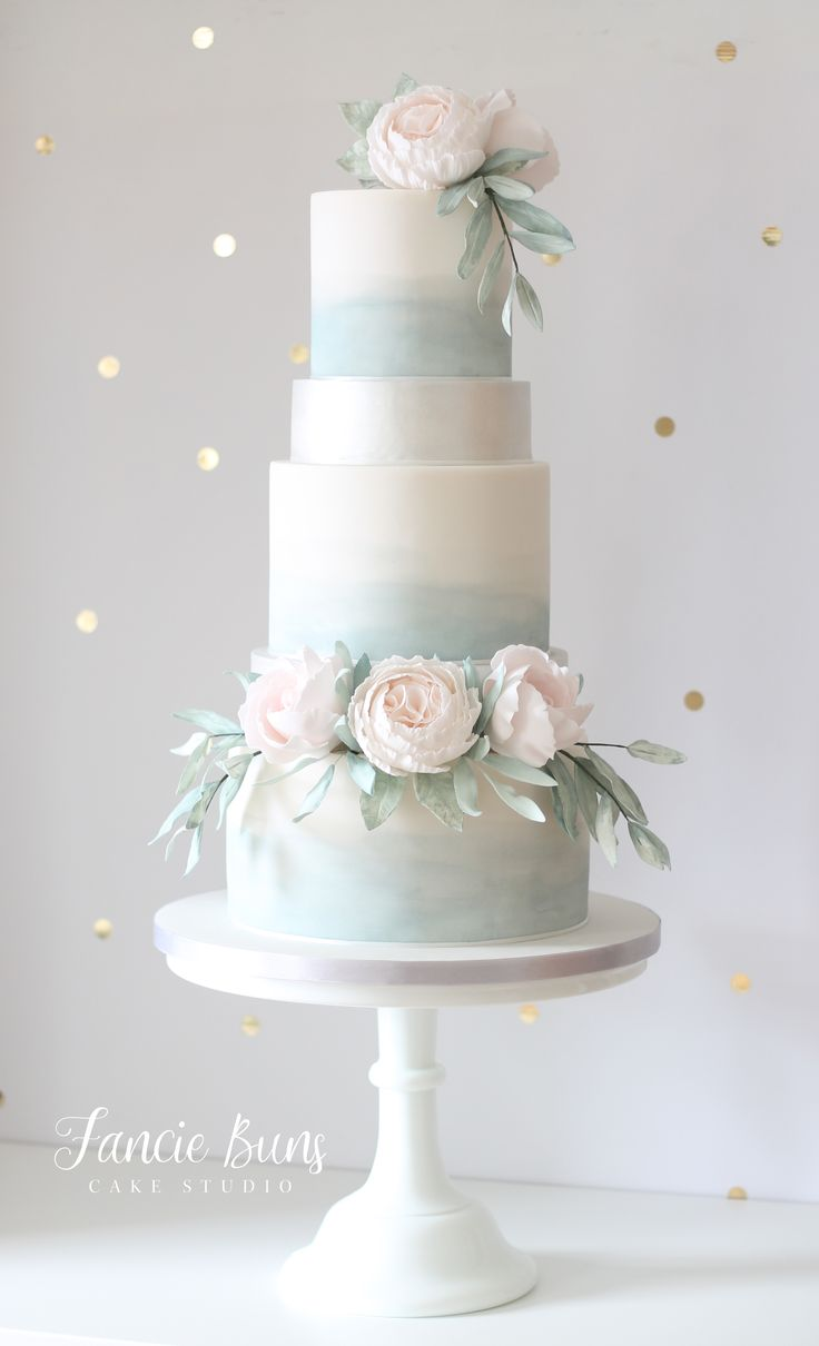 Dusty Blue, Andeutung von Pink & Silver Wedding Cake   – Lincoln Kil's Dol